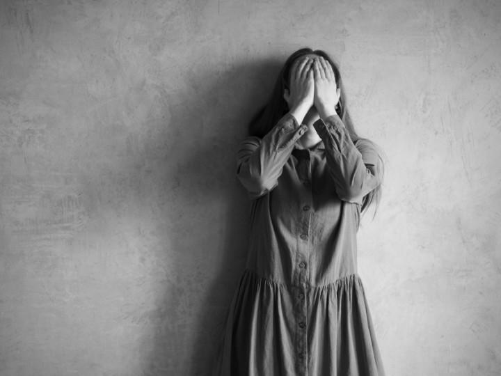 shutterstock_depressed-girl-1200px